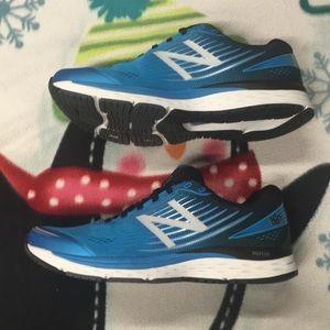 Mens New Balance 880V8 Sneakers